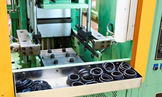 Zastosowanie pras pneumatycznych przy wciskaniu elementów typu PEM