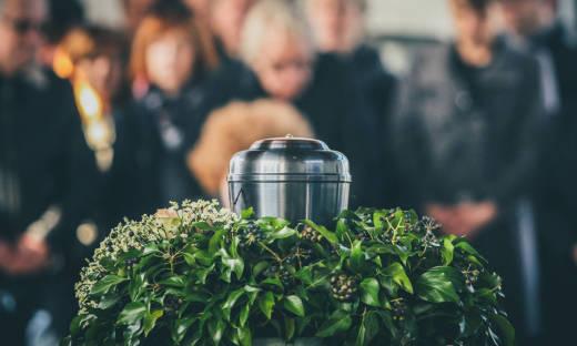 Co polskie przepisy mówią o kremacji zwłok?