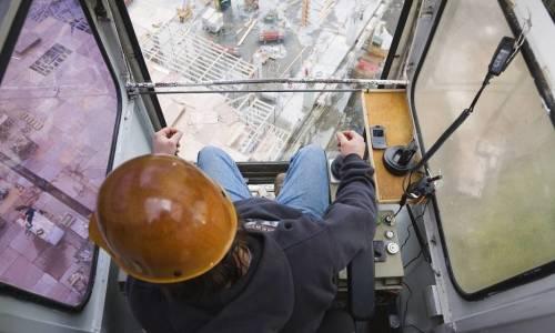 Uprawnienia operatora mini żurawia w Polsce