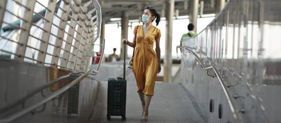Jak bezpiecznie podróżować w czasie pandemii koronawirusa?