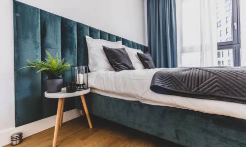 5 najważniejszych zalet łóżka tapicerowanego w zestawieniu z łóżkiem drewnianym