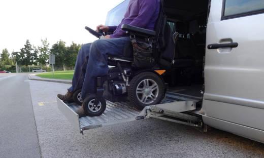 Przewóz osób niepełnosprawnych. Co warto wiedzieć?