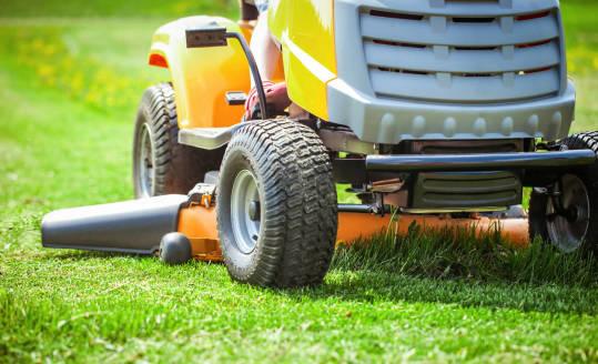 Kryteria wyboru traktora ogrodowego