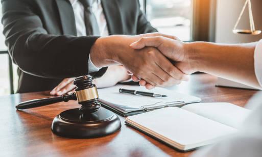 Jak się odpowiednio przygotować do wizyty u notariusza?