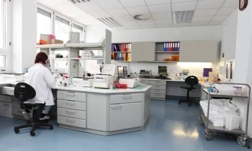 Możliwości rozbudowy stołów laboratoryjnych