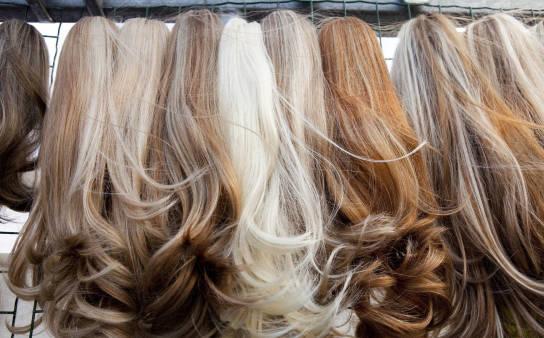 Jak przedłużyć włosy? Metoda kanapkowa bez tajemnic!