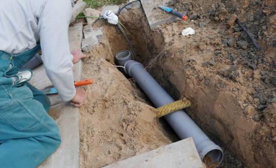 Najczęstsze przyczyny uszkodzenia rur kanalizacyjnych