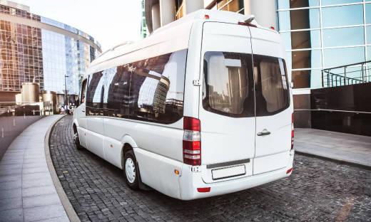 Planowanie wyjazdu grupowego. Dlaczego warto postawić na busa?