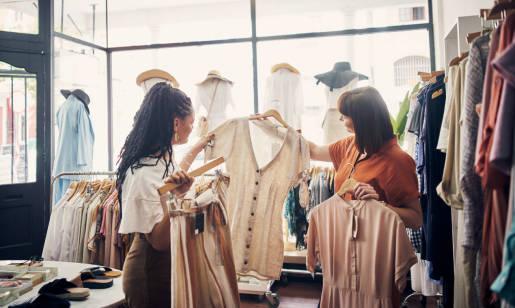 Na co zwrócić uwagę przy zakupie odzieży outletowej?
