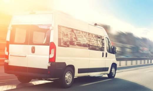 Czy prowadzenie międzynarodowych przewozów busem wymaga specjalnych zezwoleń?
