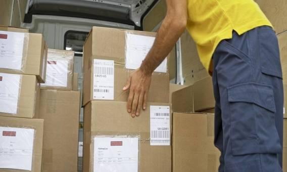 Co wpływa na koszt nadania przesyłki za granicę?