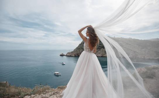 Czy woale nadają się wyłącznie na kreacje ślubne?