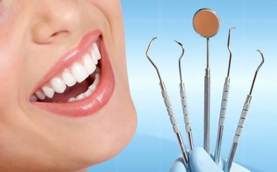 Implanty stomatologiczne - w jakim celu są stosowane?