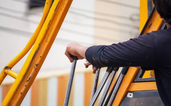 Uprawnienia do obsługi dźwigów budowlanych