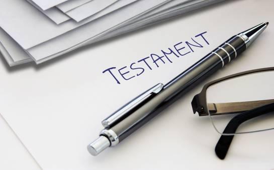 Testament – dlaczego warto sporządzić u notariusza?