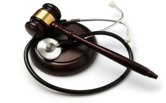 Składanie roszczeń w sprawach błędów medycznych