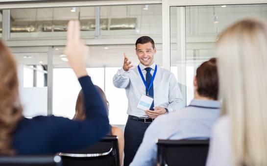 Dlaczego warto inwestować w szkolenia dla pracowników?