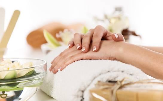 Najnowsze trendy w manicure.