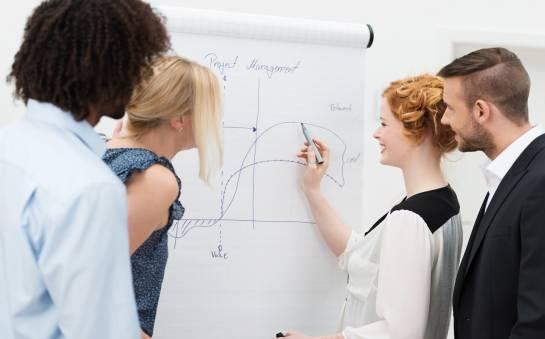 Co wybrać – kursy zawodowe czy studia podyplomowe?
