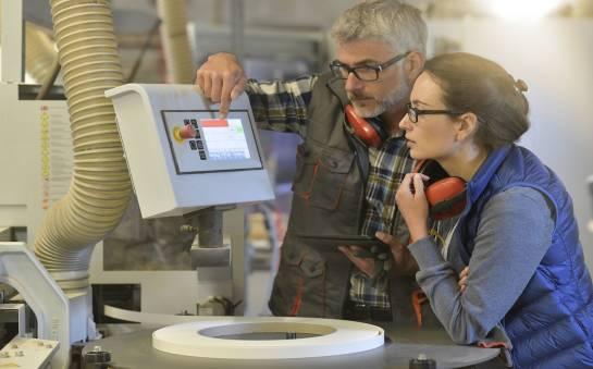 Warsztaty i szkolenia dla przemysłu - czy warto brać w nich udział?