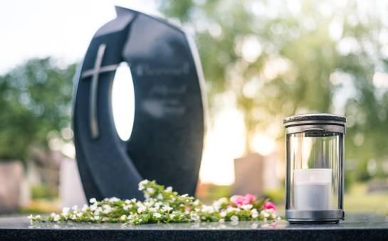 W jakim stopniu państwo pokrywa koszty pogrzebu?