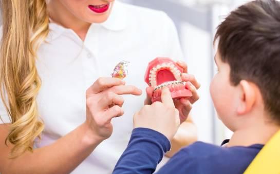 Kiedy warto wybrać się z dzieckiem do ortodonty?