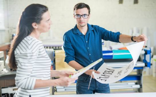 Rola druku w tworzeniu materiałów reklamowych
