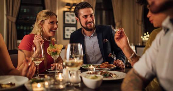 Wybieramy restaurację na wyjątkową okazję - jak pogodzić różne upodobania smakowe gości?