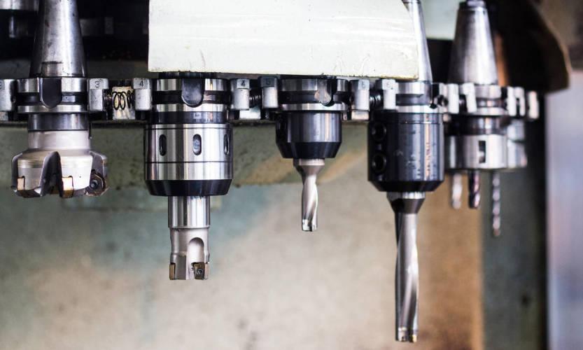 Na czym polega gwintowanie maszynowe?