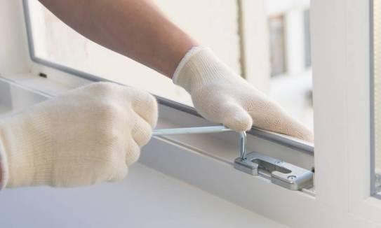 Wpływ okuć na parametry izolacyjne stolarki okiennej