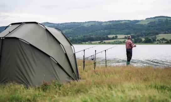 Namiot karpiowy - niezbędnik w trakcie długich wypraw wędkarskich