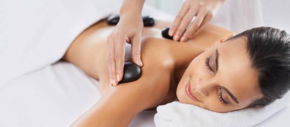 Odkryj właściwości masażu gorącymi kamieniami