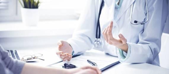 Czym zajmuje się lekarz proktolog?