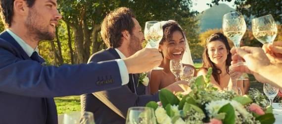 Pomysł na poprawiny wesela w hotelu – grill na świeżym powietrzu