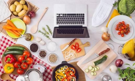 Nowoczesny sposób na zdobywanie wiedzy na temat żywienia online - webinaria live i nagrania
