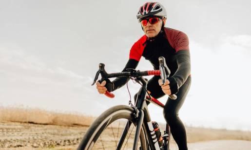 Jak ubrać się na rower? Elementy ubioru rowerzysty