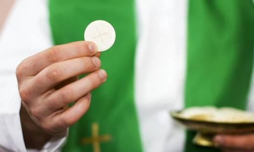 Najważniejsze elementy ubioru księży katolickich