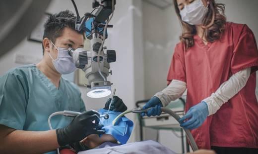Zastosowanie mikroskopu w leczeniu kanałowym